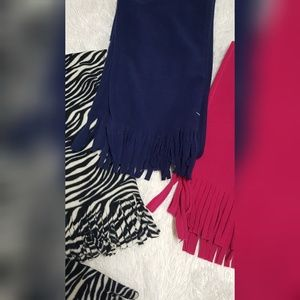 Sale! Scarves & Tech Gloves